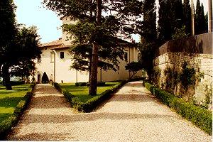 Villa sansepolcro elegante villa con cappella privata in for Cabine in affitto nel parco invernale colorado