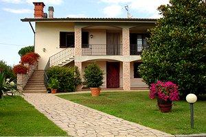 Tuscany vacation villas villas for vacation rentals in - Giardini villette private ...