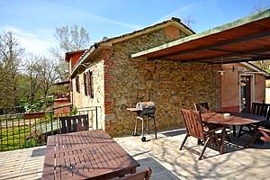 Villa nel valdarno affitto villa con piscina vicino a terranuova bracciolini arezzo per - Piscina terranuova bracciolini ...