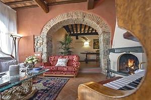 Villa montecatini terme villa di lusso per vacanze in for Suite suocera in affitto vicino a me